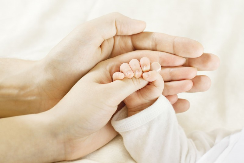 Καμία σύνδεση ανάμεσα στην εξωσωματική γονιμοποίηση και την καθυστέρηση στην ανάπτυξη ενός παιδιού